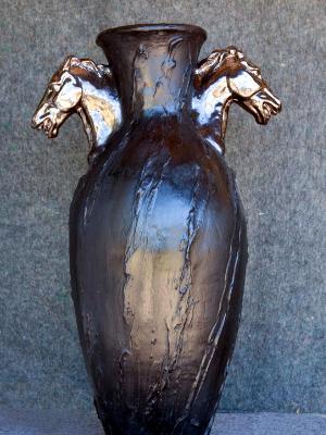 Horsehead amphora