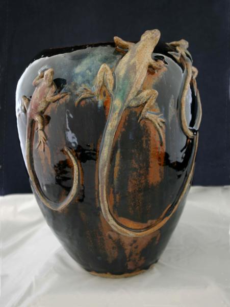Three Lizard Pot